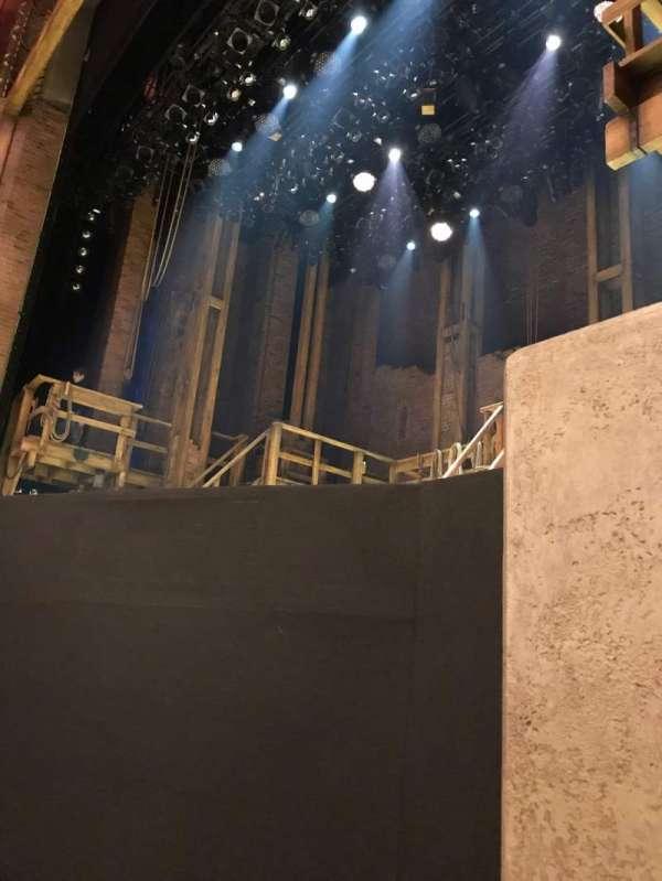 CIBC Theatre, sección: Orchestra R, fila: B, asiento: 10