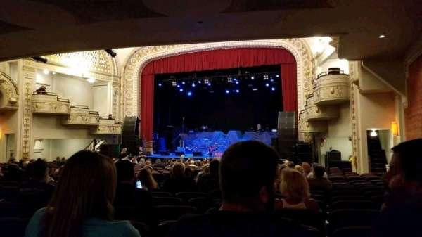 Palace Theatre (Greensburg), sección: ORCH R, fila: V, asiento: 8