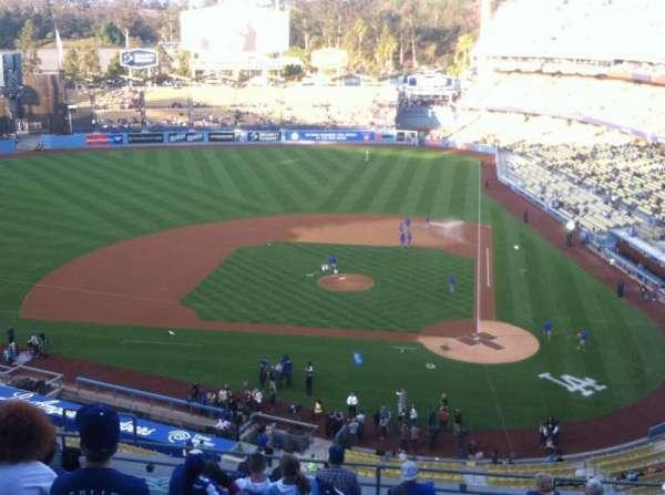 Dodger Stadium, sección: 9RS, fila: M, asiento: 12