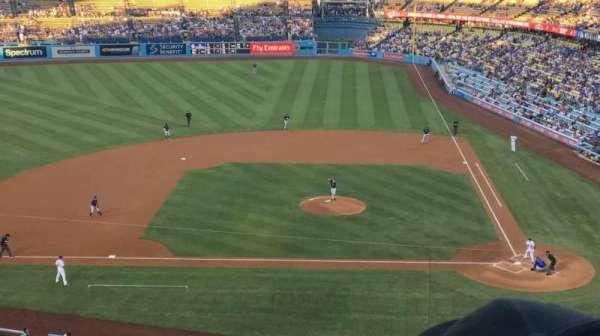 Dodger Stadium, sección: 11RS, fila: E, asiento: 10