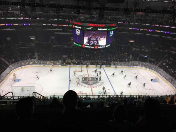Staples Center, sección: 318, fila: 10, asiento: 30