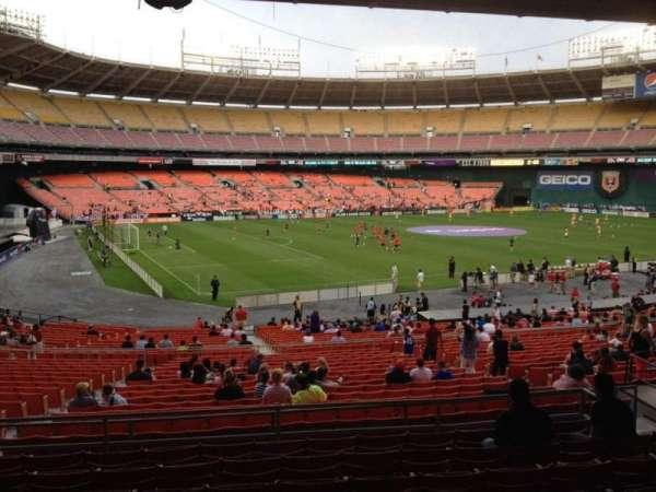 RFK Stadium, sección: 312, fila: 9, asiento: 10