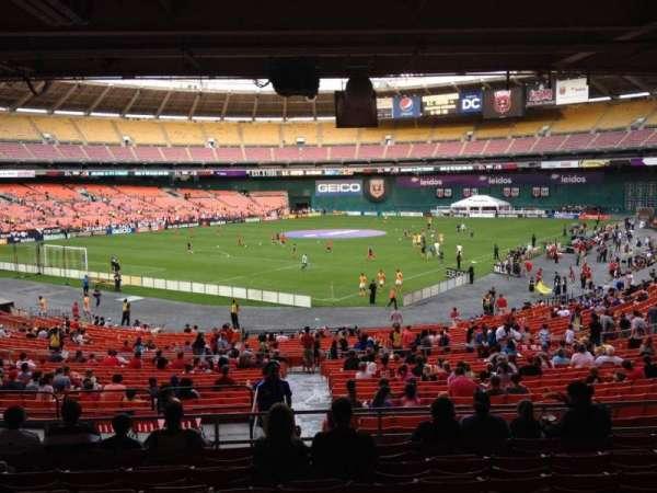 RFK Stadium, sección: 315, fila: 9, asiento: 10