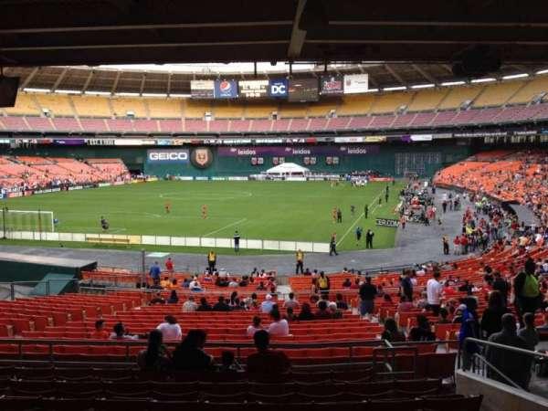 RFK Stadium, sección: 317, fila: 9, asiento: 12
