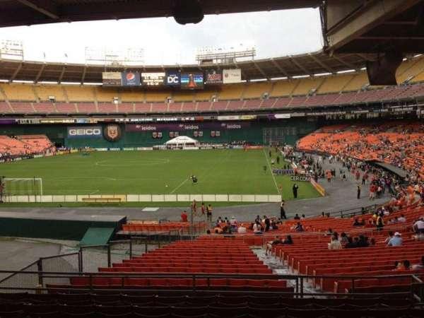 RFK Stadium, sección: 318, fila: 9, asiento: 7