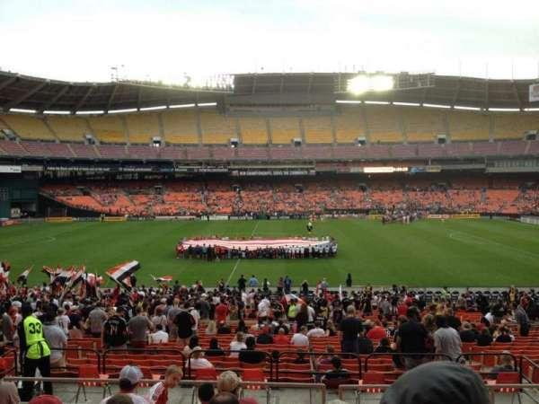 RFK Stadium, sección: 333, fila: 8, asiento: 8