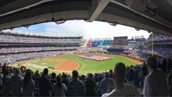 Yankee Stadium, sección: 214a, fila: 20, asiento: 5