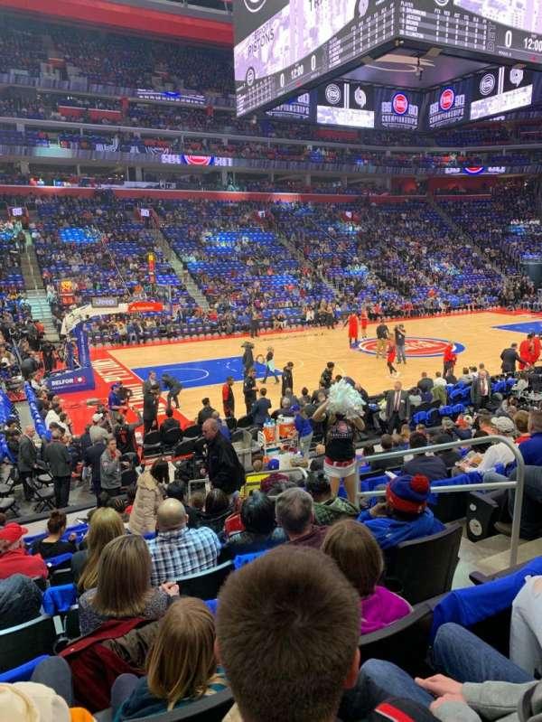 Little Caesars Arena, sección: 125, fila: 12, asiento: 5