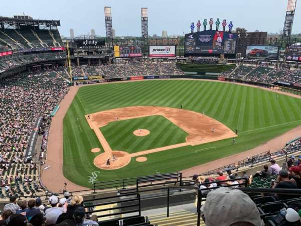 Guaranteed Rate Field, sección: 529, fila: 12, asiento: 2