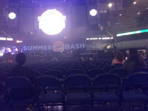 Allstate Arena, sección: 3, fila: 18, asiento: 10