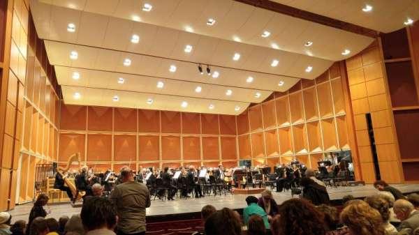 Uihlein Hall, sección: Orchestra, fila: H, asiento: 10