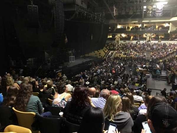CFE Arena, sección: 105, fila: V, asiento: 1