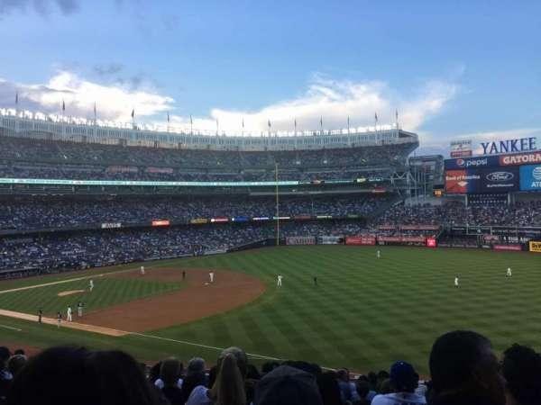 Yankee Stadium, sección: 211, fila: 13, asiento: 15