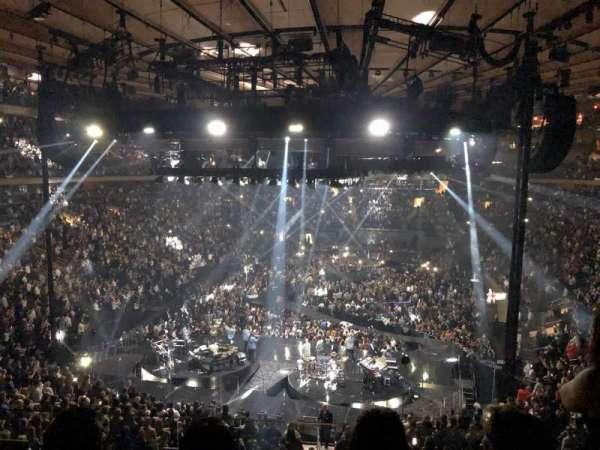 Madison Square Garden, sección: 218, fila: 3, asiento: 14