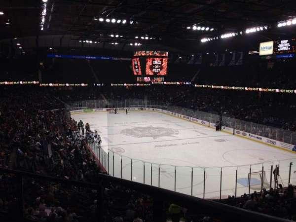 Allstate Arena, sección: 208, fila: C, asiento: 1