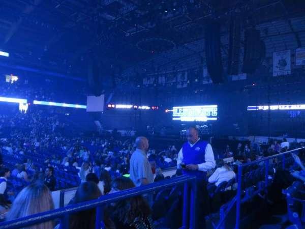 Allstate Arena, sección: 111, fila: B, asiento: 4