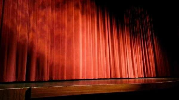 Landis Theater, sección: orchestra left, fila: b, asiento: 1