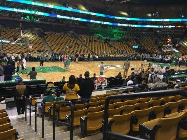 TD Garden, sección: Loge 3, fila: 9, asiento: 1