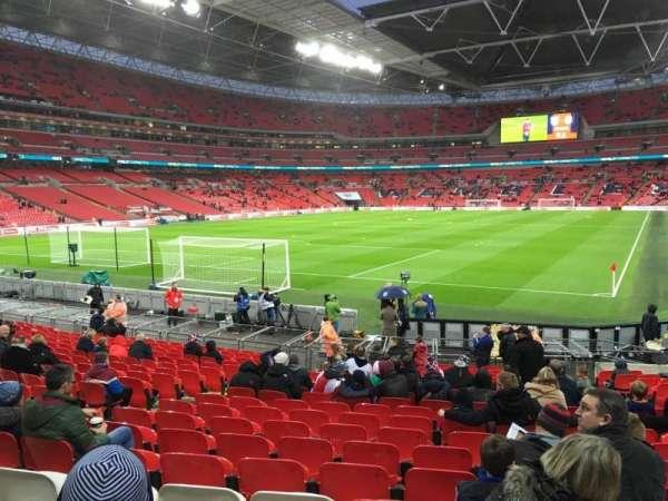 Wembley Stadium, sección: 130, fila: 19, asiento: 233
