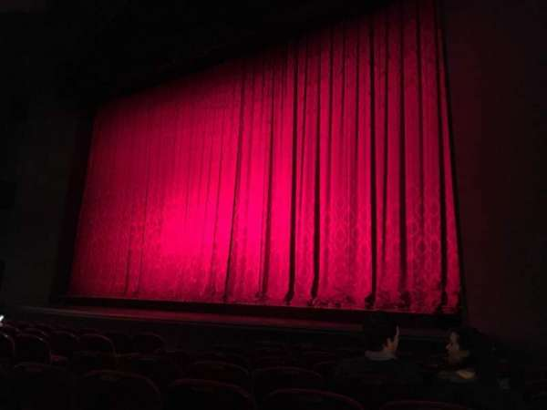 Walnut Street Theatre, sección: Orch R, fila: H, asiento: 307