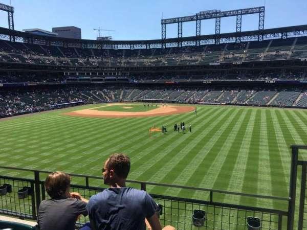 Coors Field, sección: 203, fila: 3, asiento: 4