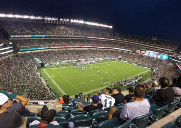 Lincoln Financial Field, sección: 239, fila: 13, asiento: 10