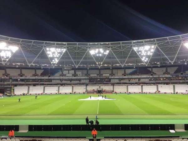 London Stadium, sección: 136, fila: 24, asiento: 258