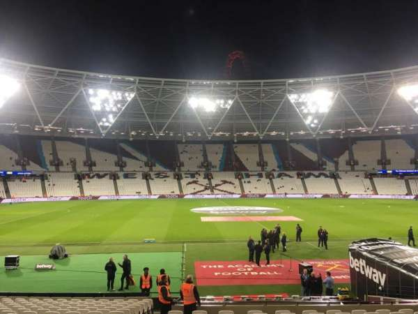 London Stadium, sección: 108, fila: 30