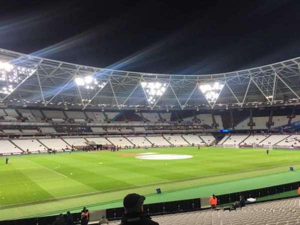 London Stadium, sección: 132, fila: 25