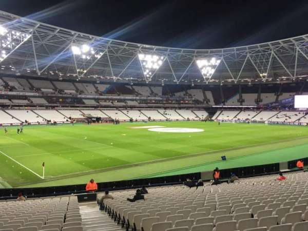 London Stadium, sección: 131, fila: 25