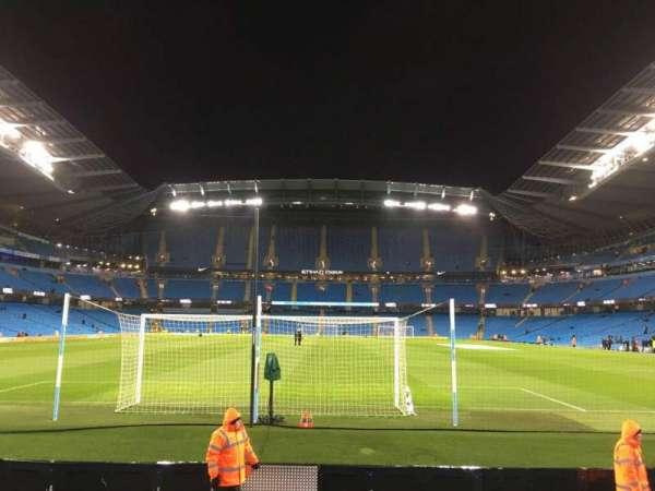 Etihad Stadium (Manchester), sección: 137, fila: G, asiento: 1015