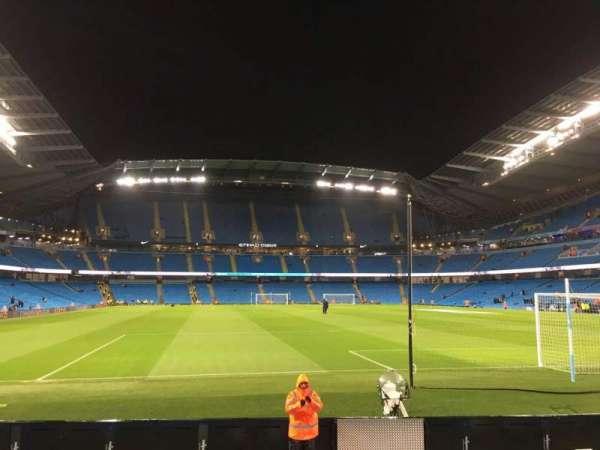 Etihad Stadium (Manchester), sección: 138, fila: H, asiento: 172