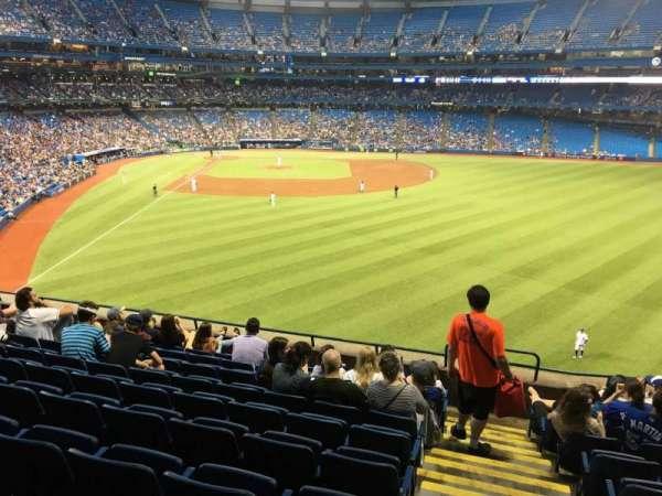 Rogers Centre, sección: 207L, fila: 9, asiento: 101