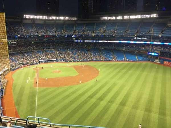 Rogers Centre, sección: 509r, fila: 8, asiento: 4