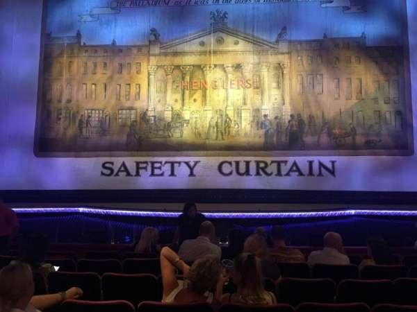 The London Palladium, sección: Stalls, fila: H, asiento: 21