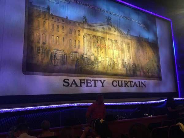 The London Palladium, sección: Stalls, fila: F, asiento: 30
