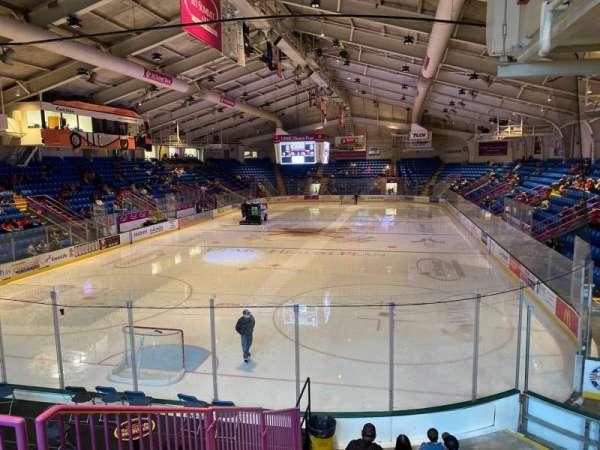 1st Summit Arena, sección: 10, fila: L, asiento: 2