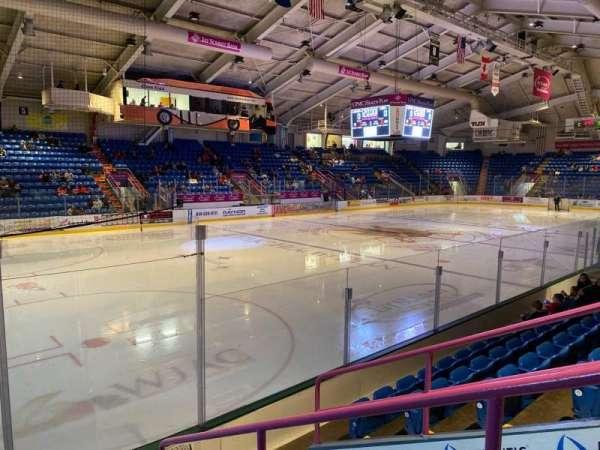 1st Summit Arena, sección: 12, fila: F, asiento: 2