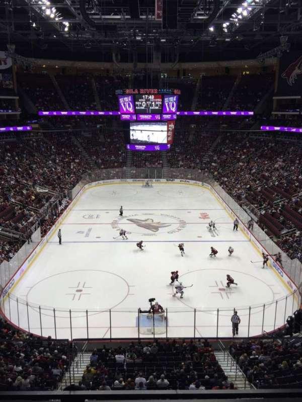 Gila River Arena, sección: 223, fila: B, asiento: 9