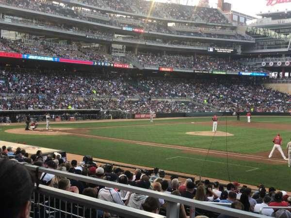 Target Field, sección: 107, fila: 2, asiento: 4