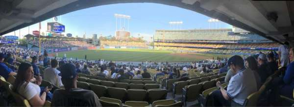 Dodger Stadium, sección: 39FD, fila: V, asiento: 2