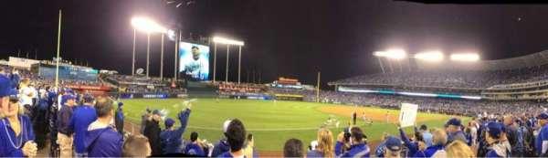 Kauffman Stadium, sección: 114, fila: F, asiento: 5