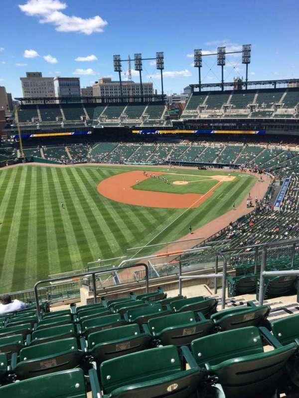 Comerica Park, sección: 344, fila: 12, asiento: 4