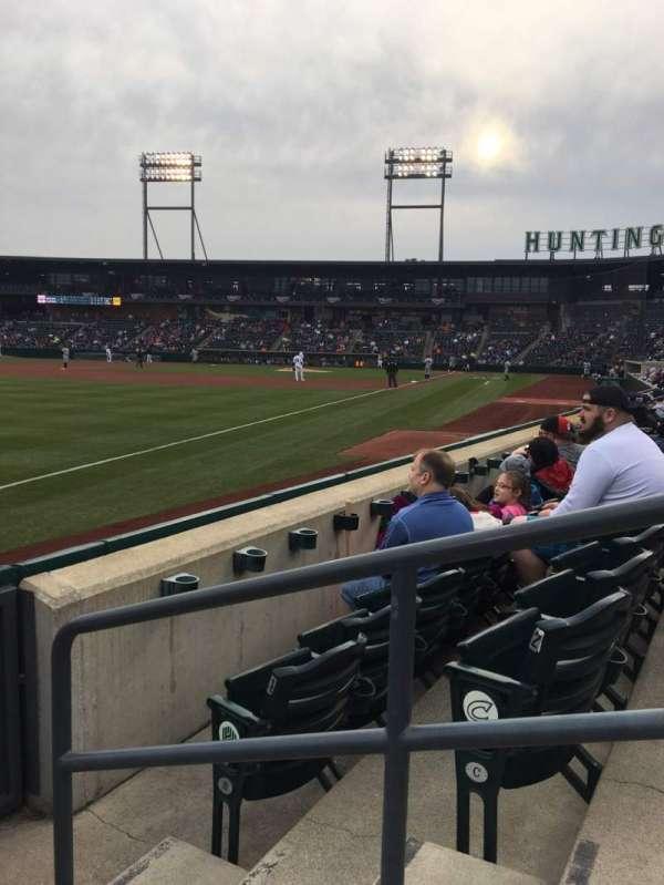 Huntington Park, sección: 23, fila: 3, asiento: 2