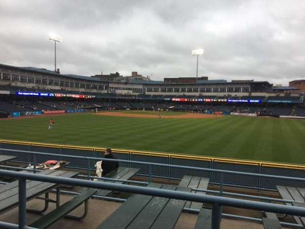 Fifth Third Field, sección: 120, fila: SRO