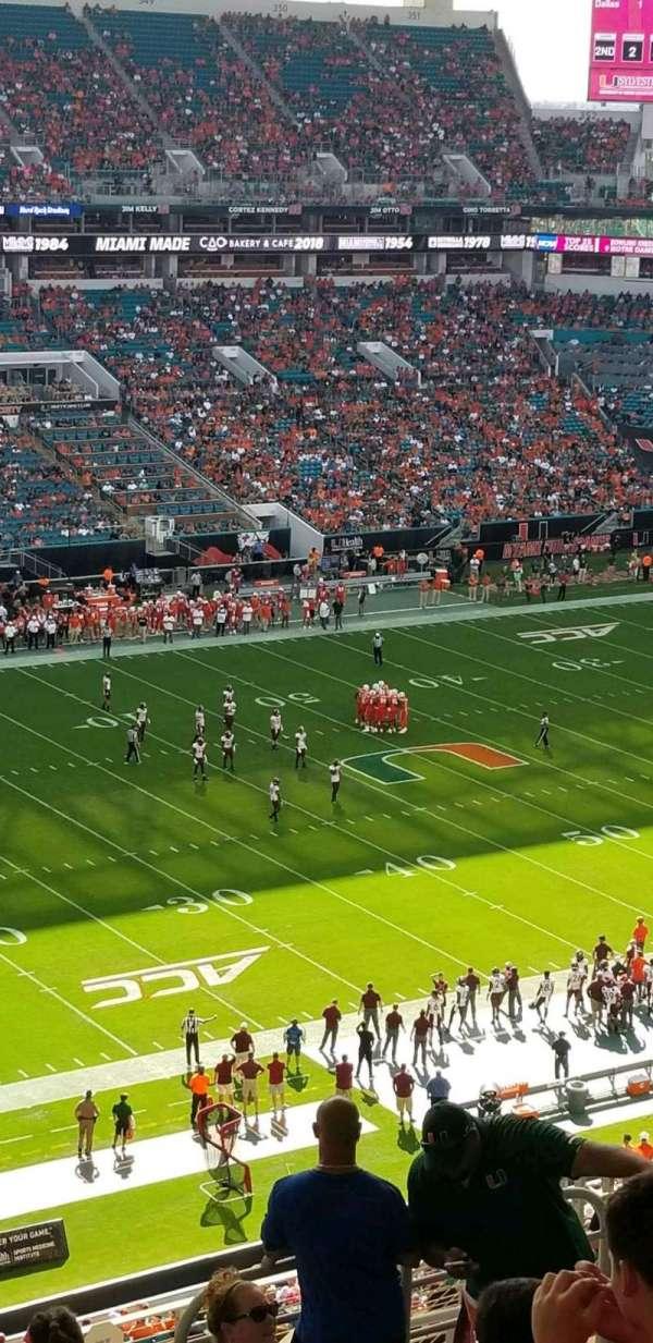 Hard Rock Stadium, sección: 322, fila: 23, asiento: 17