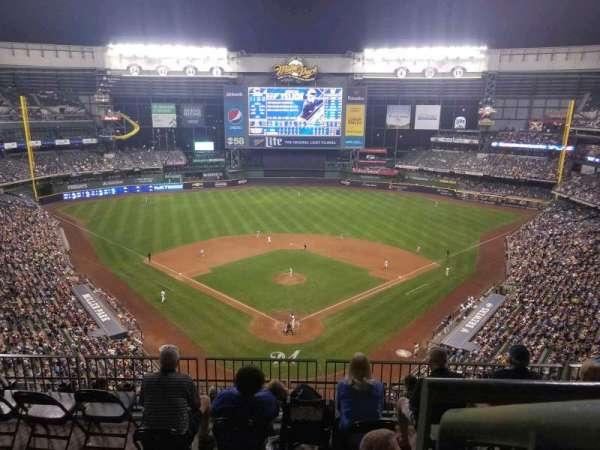 Miller Park, sección: 422, fila: 9, asiento: 13