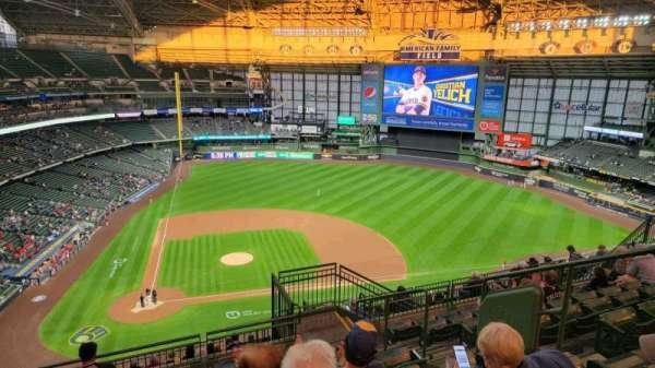 American Family Field, sección: 417, fila: 15, asiento: 9