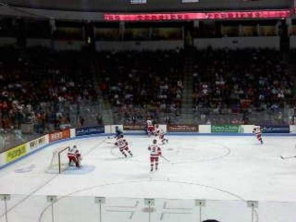 Agganis Arena, sección: 104, fila: K, asiento: 22
