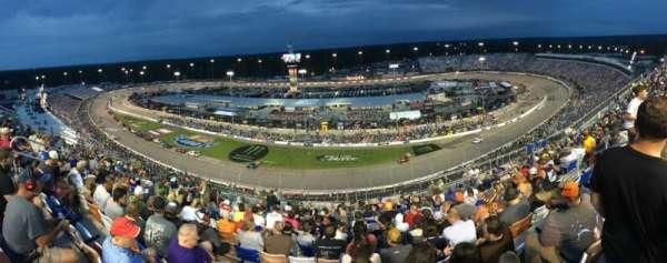 Richmond International Raceway, sección: Comm Tower M, fila: 17, asiento: 11